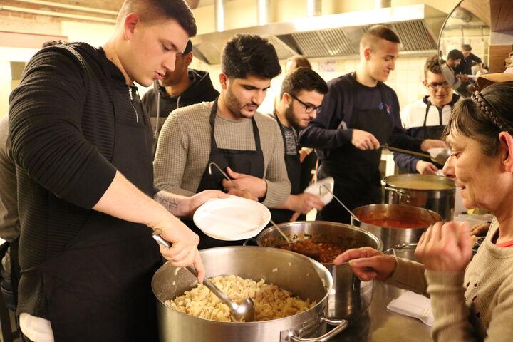 Im Obdach Josi stand Pasta auf der Speisekarte. (Bild: FSW)