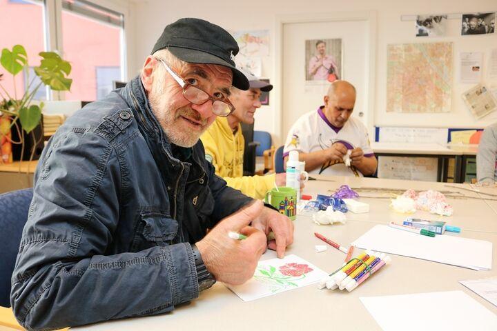 HobbykünstlerInnen am Werk (Bild: FSW)