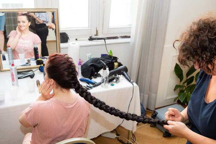 So lange Haare: der Traum jeder Friseurin. (Bild: Ablichterei e.U. Claudia Spieß)