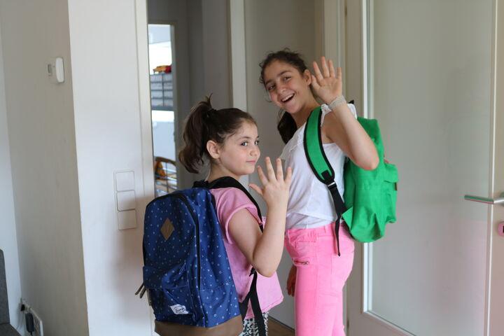 Die Mädchen würden am liebsten gleich in die Schule gehen (Bild: FSW)