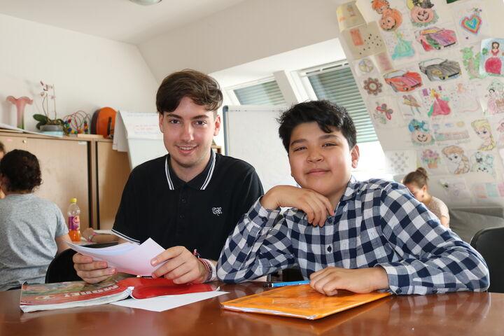 Zusammen lernt man englische Vokabel noch besser. (Bild: FSW)