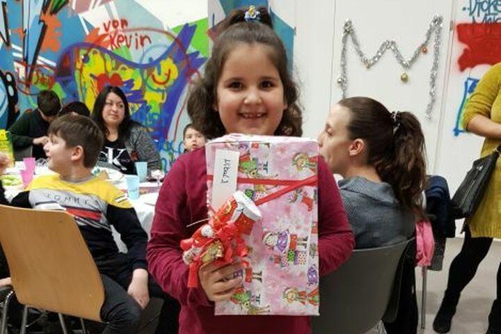Letztes Jahr hat jedes Kind ein Geschenk bekommen. Das schaffen die Wichtel doch sicher wieder. (Bild: FSW)