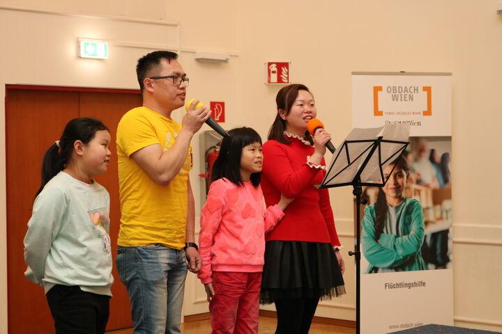 Familie Liu auf der Bühne. (Bild: FSW)