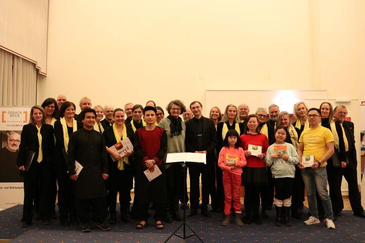 Alle SängerInnen des Abends und Monika Wintersberger-Montorio nach dem Konzert. (Bild: FSW)