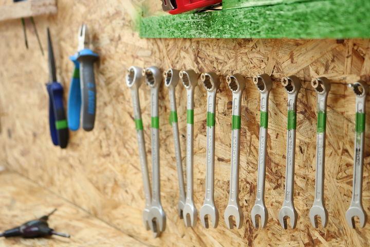 Das richtige Werkzeug für die Radreparatur ist immer parat. (Bild: FSW)