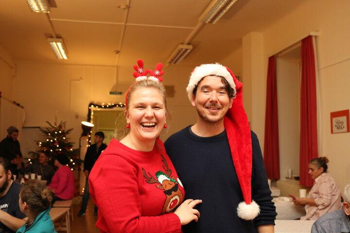 Barbara Trsek ist die Freude über die Weihnachtsfeier anzusehen. (Bild: FSW)