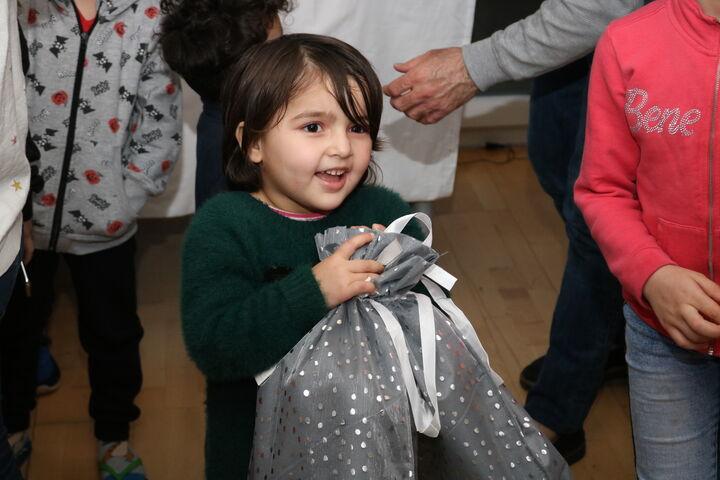 Für jedes Kind gab es ein Packerl. (Bild: FSW)