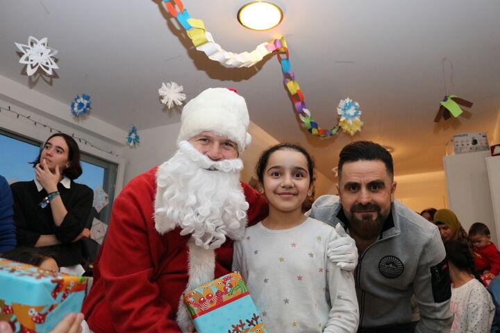 Wer will ein Foto mit dem Weihnachtsmann? (Bild: FSW)