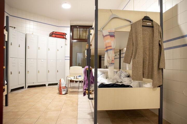 In einem solchen Zimmer im Obdach Wien Nachtquartier für Frauen fand Monika A. ein Bett und viel Unterstützung. (Bild: FSW)