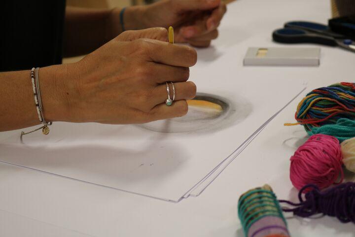 Es kamen verschiedene Materialien am Papier zum Einsatz. (Bild: FSW)