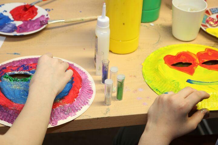 Die Kinder im Obdach Arndtstraße ließen ihrer Kreativität freien Lauf. (Bild: FSW)