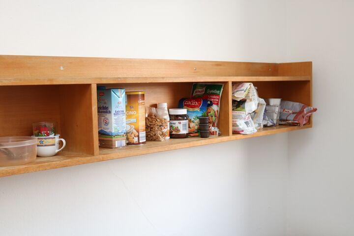 Neben Monikas Kaffee ist natürlich auch Platz für Kiras Futter und viele Leckerlies. (Bild: FSW)