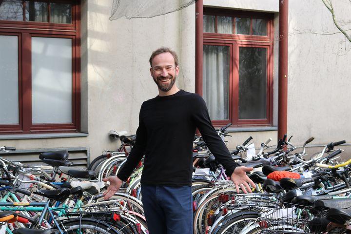 Stefan Höfer leitet die Bike Kitchen Favorita. (Bild: FSW)