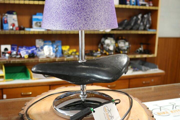 Eine Lampe mit Radsattel ist ein echtes Unikat. (Bild: FSW)