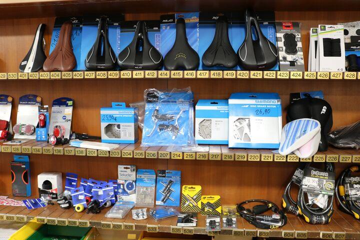 Der Shop ist voll bestückt. (Bild: FSW)