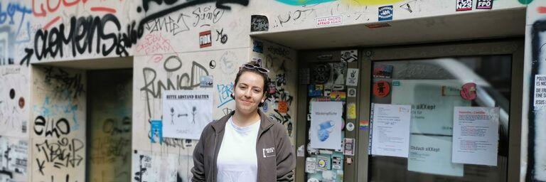 Sozialarbeiterin Karo erzählt im Interview aus ihrem Alltag im Obdach aXXept. (Bild: FSW)
