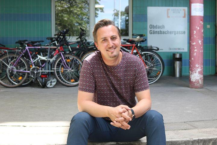 Ergin Hatipler ist Teamleiter im Obdach Gänsbachergasse. (Bild: FSW)