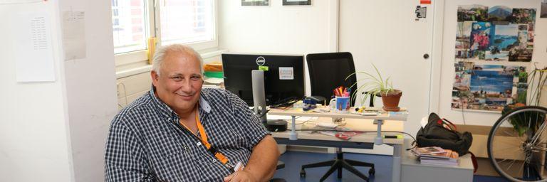 Franz H. in seinem Büro. (Bild: FSW)
