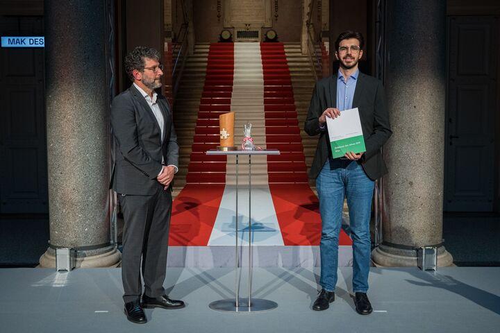 Güney während der Verleihung. (Bild: BMLRT/Christian Lendl)