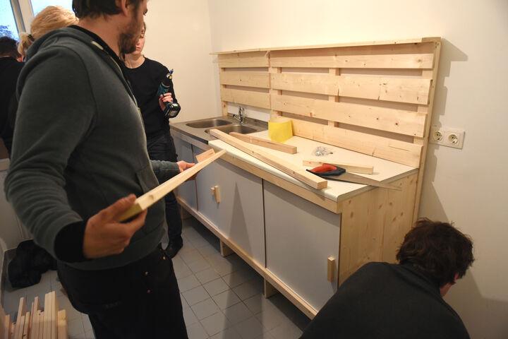 Aufbau Wiener Kuchl (Bild: Nick Mangafas Kultur Transfair)