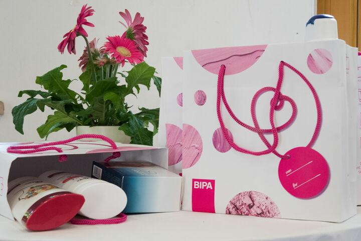 Jede Frau bekam ein Wohlfühlpaket von BIPA. (Bild: ABLICHTEREI e.U. - Claudia Spieß)
