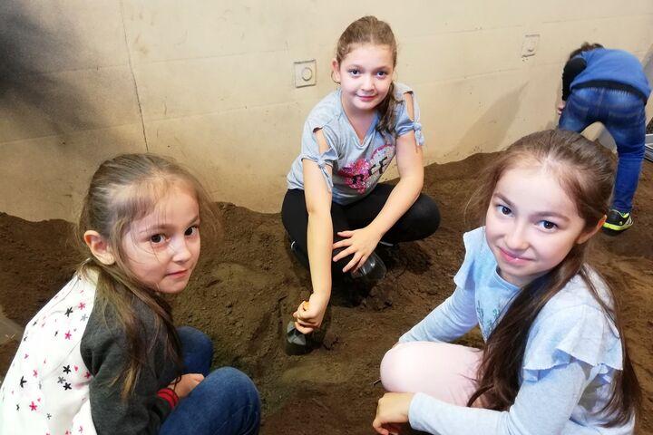 Einiges zu entdecken gab es bei den Ausgrabungen im Erdreich. (Bild: FSW)