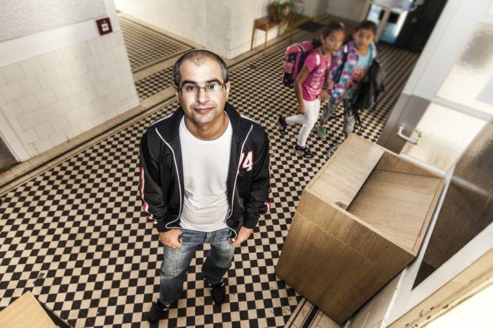 Nuri Albayrak vom Facilitymanagment kümmert sich um die Instandhaltung der Obdach Wien Einrichtungen (Bild: FSW)