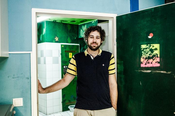 Jaschar Randjbar leitet das Team von Obdach aXXept (Bild: FSW)