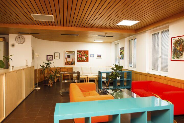 Obdach Gänsbachergasse Besucherraum (Bild: FSW)