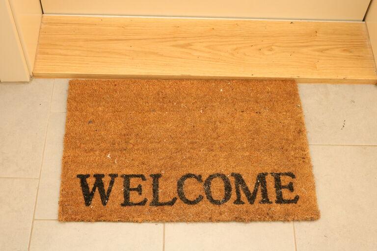 Fußmatte mit Welcome Schriftzug (Bild: FSW)
